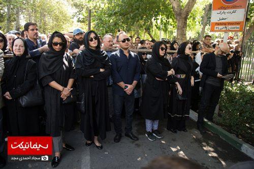 تشییع پیکر استاد عزت الله انتظامی