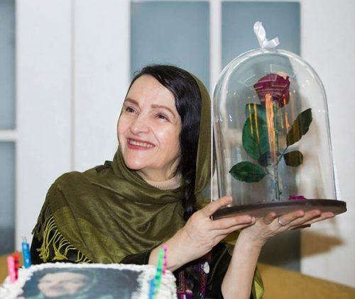 جشن تولد گلاب آدینه و رونمایی از پوستر فیلم در جستجوی فریده با حضور بازیگران +تصاویر