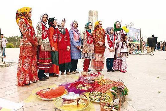 تنوع پوشش سنتی زنان ایرانی +تصاویر