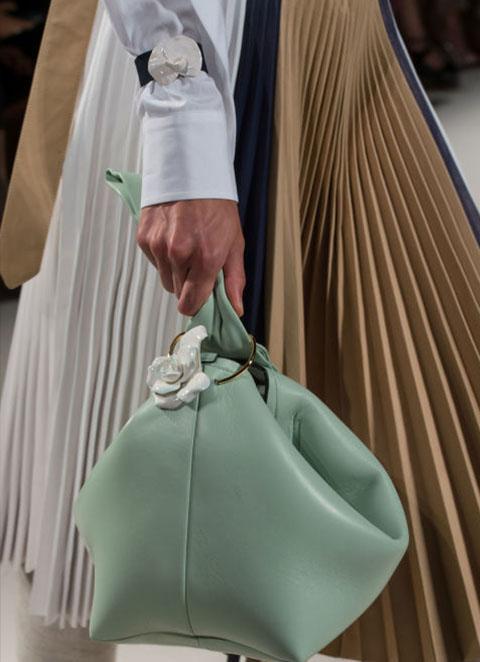 جدیدترین کیف دستی های زنانه برندهای معروف در هفته ی مد و فشن نیویورک ۲۰۱۶+تصاویر