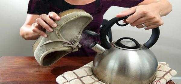 کفش های مخمل خود را به راحتی با این روش تمیز و زیبا کنید+تصاویر