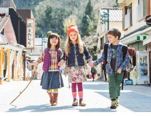 لباس های بچگانه مناسب فصل پاییز چه ویژگی هایی دارند؟
