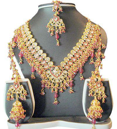 زیور آلات هندی بخشی از لباس سنتی هندیهاست +تصاویر