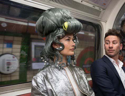عجیب ترین لباس هایی که در هفته مد لندن به نمایش گذاشته شد+تصاویر
