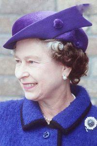 مدل کلاه های ملکه الیزابت