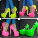 ست کردن کفش های پاشنه بلند رنگی