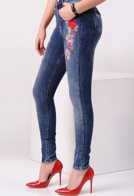 اگر قصد خرید شلوار جین را دارید، بخوانید