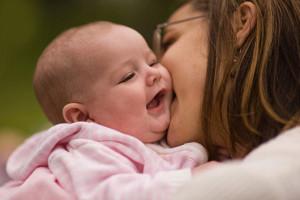 با نوزادتان صحبت کنید تا بتواند کلمات را طبقهبندی کند