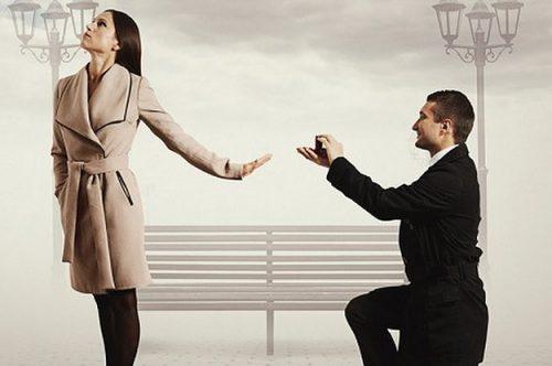 دلایل ازدواج دیر جوانان