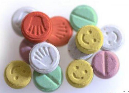 عوارض مصرف قرص اکستازی | داروی مورد استفاده در پارتی ها و مهمانی ها