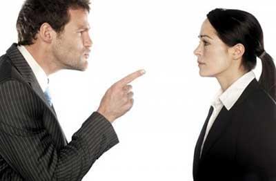 همسر لجباز خود را با این ترفندها به راحتی کنترل کنید!