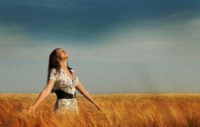 شاد بودن را با این ۵ عامل در زندگی رزانه خود تجربه کنید