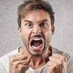 عصبانی میشویم چرا به دیگران گیر می دهم؟علت و درمان گیر دادن