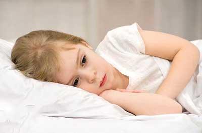 ۱۳ نشانه افسردگی درکودکان ونوجوانان که والدین باید بدانند