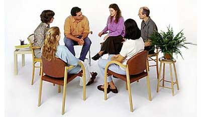 گروه درمانی چیست و چه افرادی تحت گروه درمانی قرار میگیرند؟
