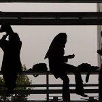 مشکلات روانی دختران , چگونه از سلامت روانی دخترمان محافظت کنیم؟