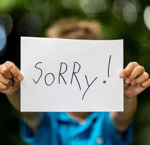 عذرخواهی کردن