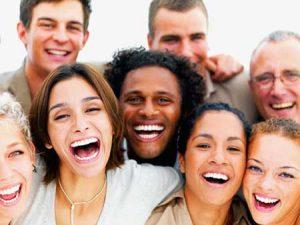 بررسی خنده و شادی از منظر روان شناسی اجتماعی