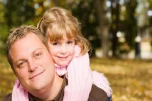 تربیت فرزند دختر باید چگونه باشد؟