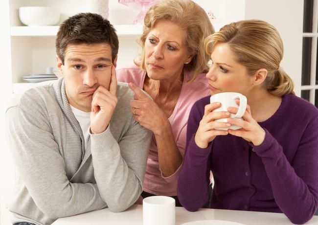 مردان وابسته به مادر