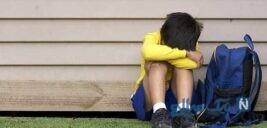 چگونه با ترس کودکان از مدرسه برخورد کنیم؟