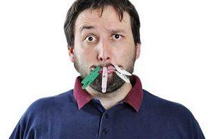 ۶ راهکار برای از بین بردن بوی بد دهانتان در صبحگاه