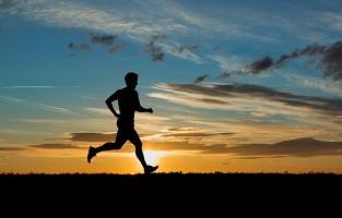 ۷ ورزشی که بیش از دویدن کالری میسوزانند