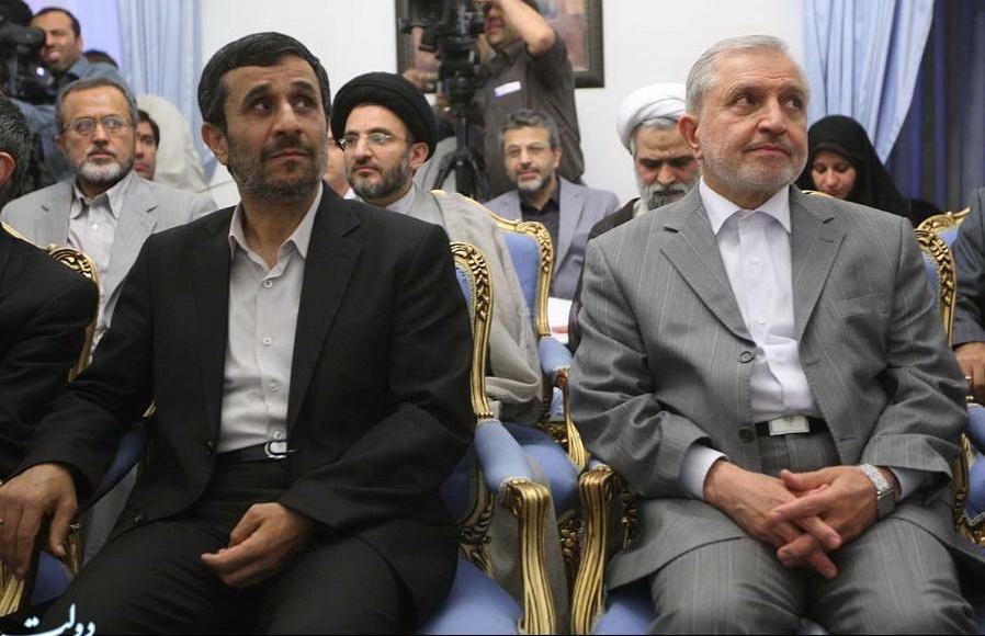 احمدی نژاد و جاسبی در یک جلسه و در کنار هم + تصاویر