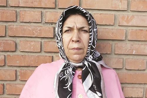 زن جیببر ۶٠ ساله دستگیر شد+عکس