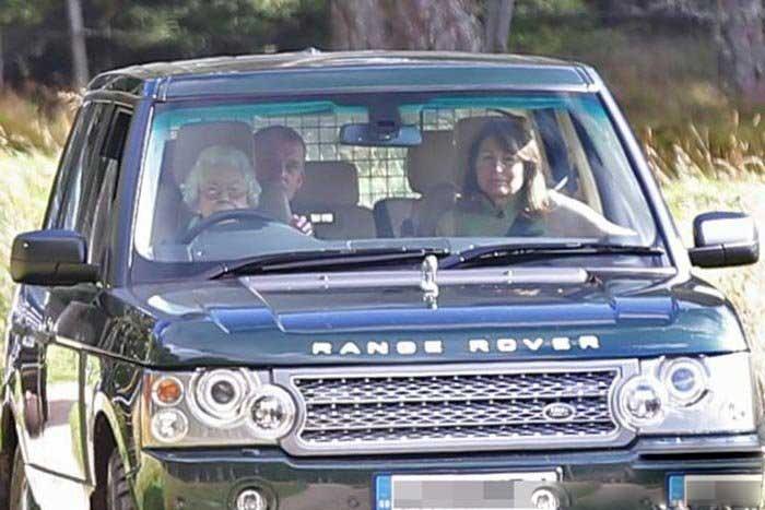 ملکه در ۹۰ سالگی رنجرور میراند! +تصاویر