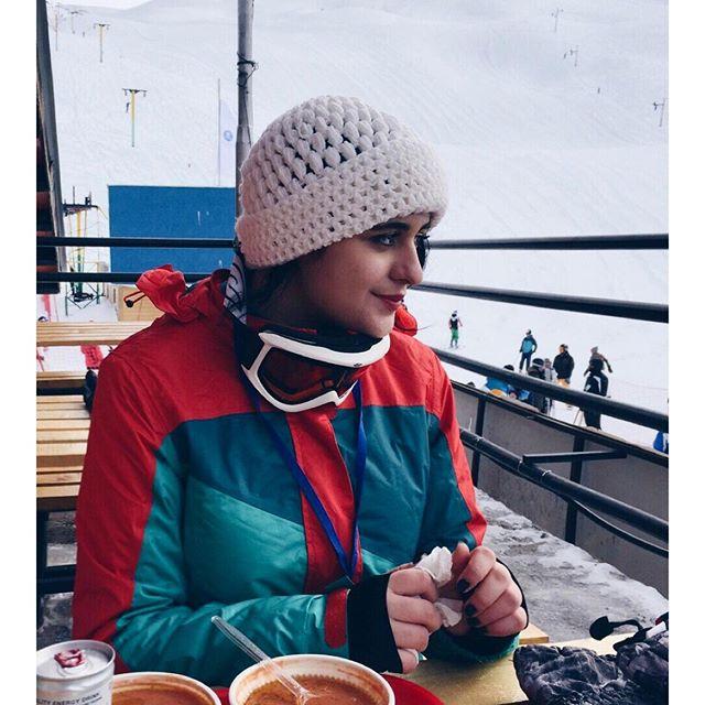 فاطیما بهارمست با تیپ متفاوت در پیست اسکی! + عکس