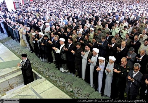 تصاویر: مردم و مسئولین در نماز عید فطر