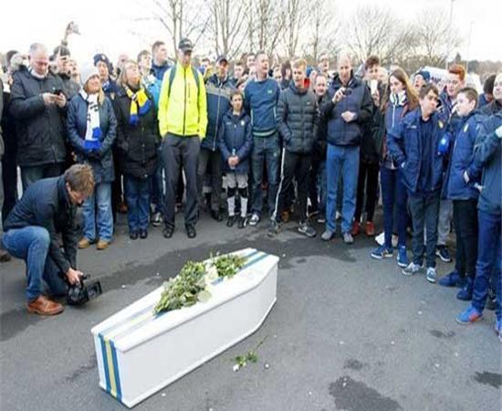عجیبترین تشییع جنازه فوتبالی! + عکس
