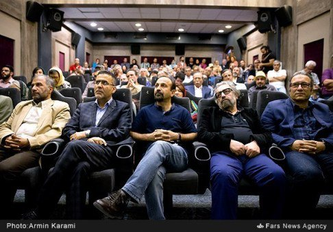 حضور هنرمندان در مراسم تقدیر خانه سینما از فرهادی+عکس