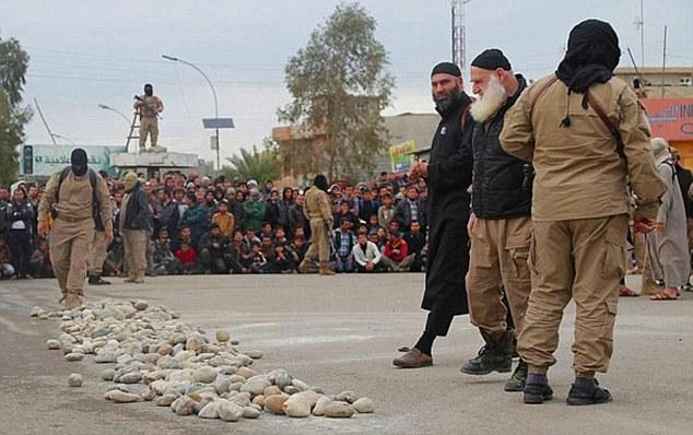 دلخراشترین مجازات داعش سنگسار چهار زن در ملأعام + تصاویر