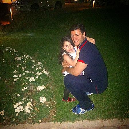 دختر زیبای ستاره والیبال ایران در آغوش پدر(+عکس)