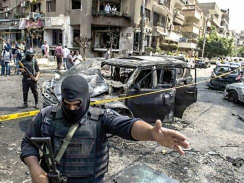 مرگ دادستان کل مصر در انفجار بمب + تصاویر