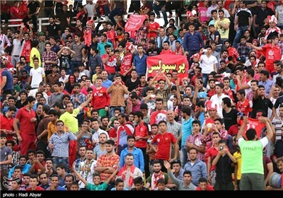 حضور جنابخان در ورزشگاه و افزایش تعداد هواداران پرسپولیس
