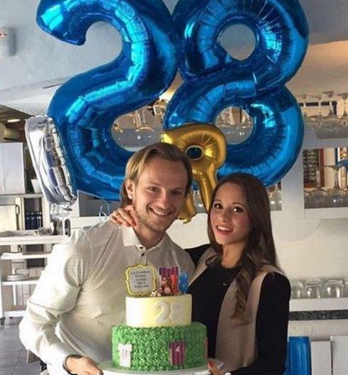 جشن تولد هافبک بارسلونا با همسرش + عکس