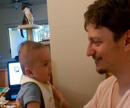 نوزادی سه ماهه که حرف میزند!+تصاویر