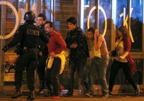 شب خونین پاریس،۱۴۰نفر کشته درحمله تروریستی دیشب + تصاویر