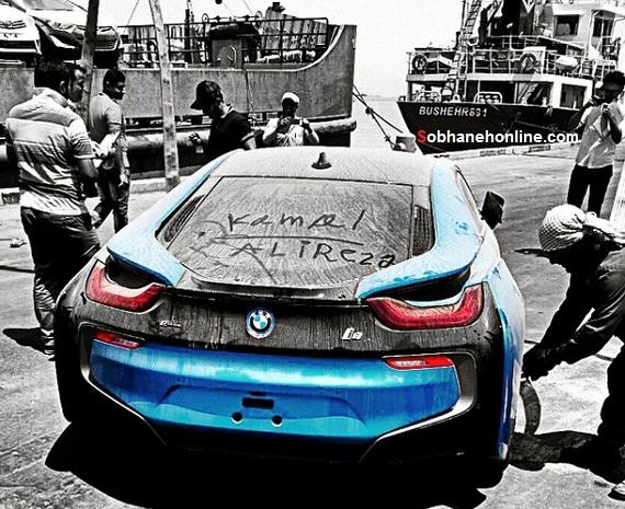 یادگاری نوشتن روی شیشه BMW i8 در ایران ! + عکس