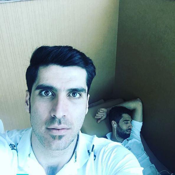 واکنش والیبالیستهای ایرانی که در فرودگاه خواب ماندند!+تصویر