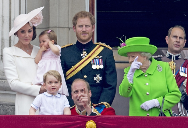 هشدار جالب ملکه انگلیس به نوه اش !!+عکس