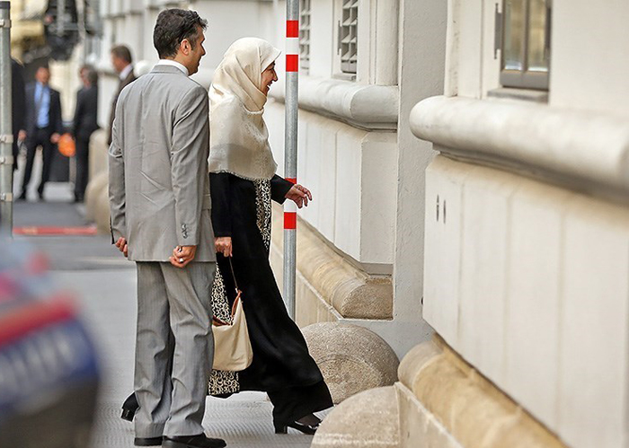 همسر ظریف در محل مذاکرات هتل کوبرگ+عکس
