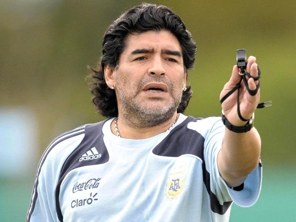 مارادونا اسطوره آرژانتینی سالهای گذشته آرژانتین به تهران میآید؟