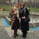 دو خواهر بازیگر و خواننده در جشن تولد عموی خواننده شان