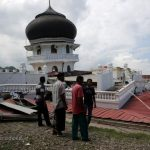 زلزله مهیب در اندونزی ,  اولین عکسها از این حادثه و خسارات جانی و مالی آن