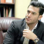 پیشنهاد خواندنی محمدرضا گلزار بازیگر محبوب سینما به هوادارانش