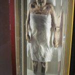جنازه ای مومیایی شده که پس از 2000 سال نیمه سالم پیدا شد!!